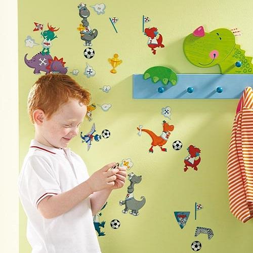 Nálepky na stenu Dinosauri-futbalisti